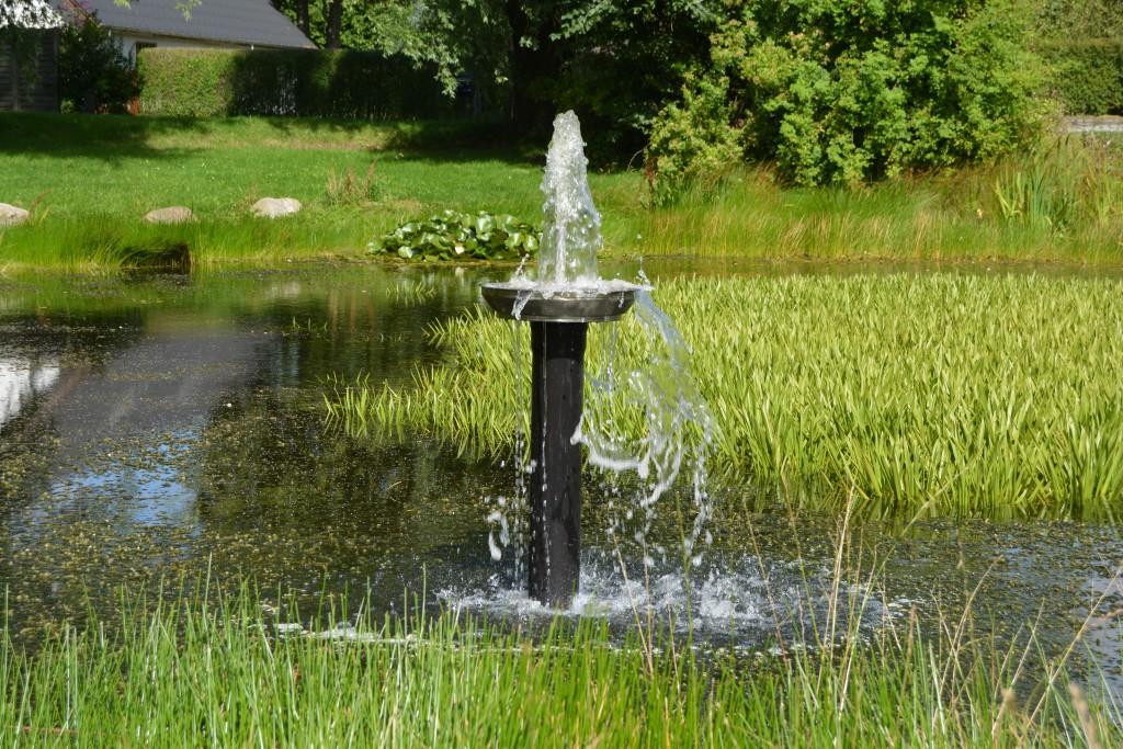 Vores springvand i gadekæret i Sabro by